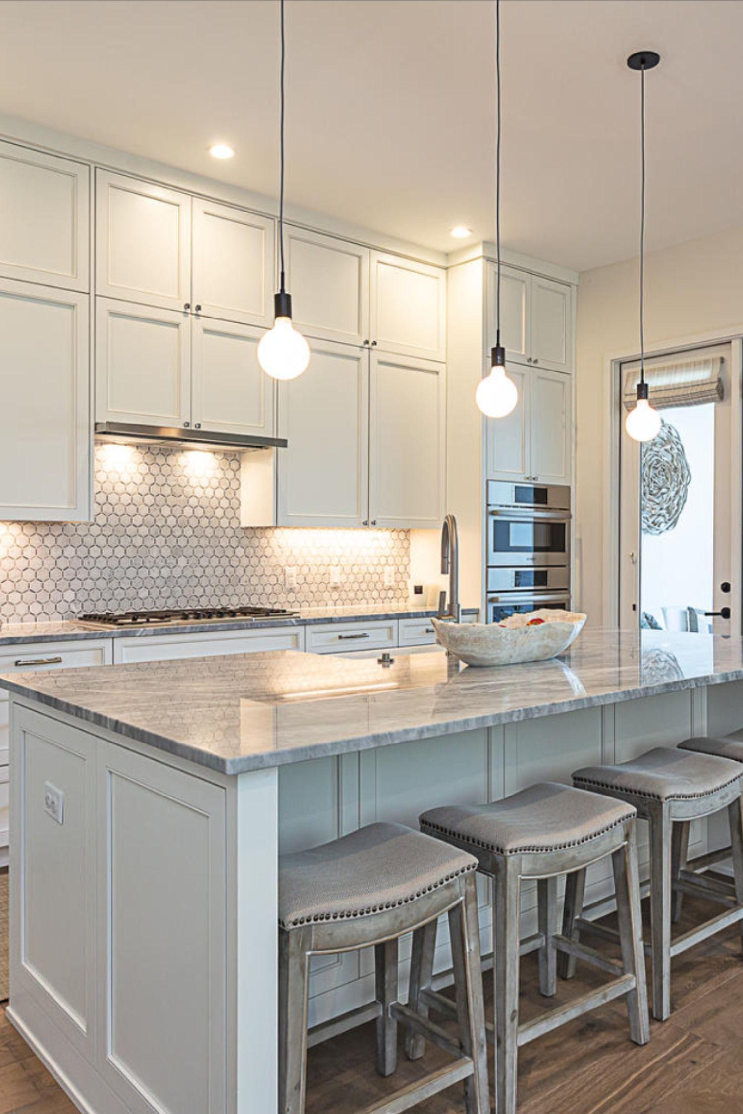 Elegant Kitchen With Lovely Island Austin Texas Homes In 2020 Elegant Kitchens Home Home Decor