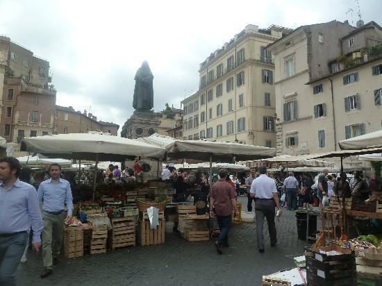 Campo de' Fiori: mercado de Campo di Fiori Roma - Italia