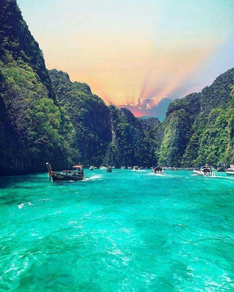 Phi Phi Island: Atardecer En Ko Phi Phi, Tailandia.