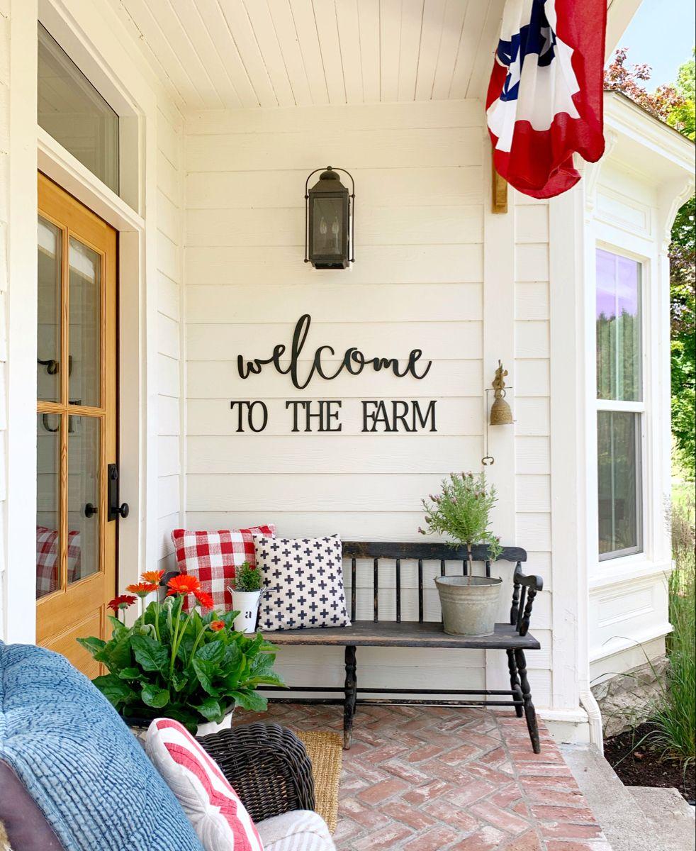 16++ Farmhouse porch bench inspiration