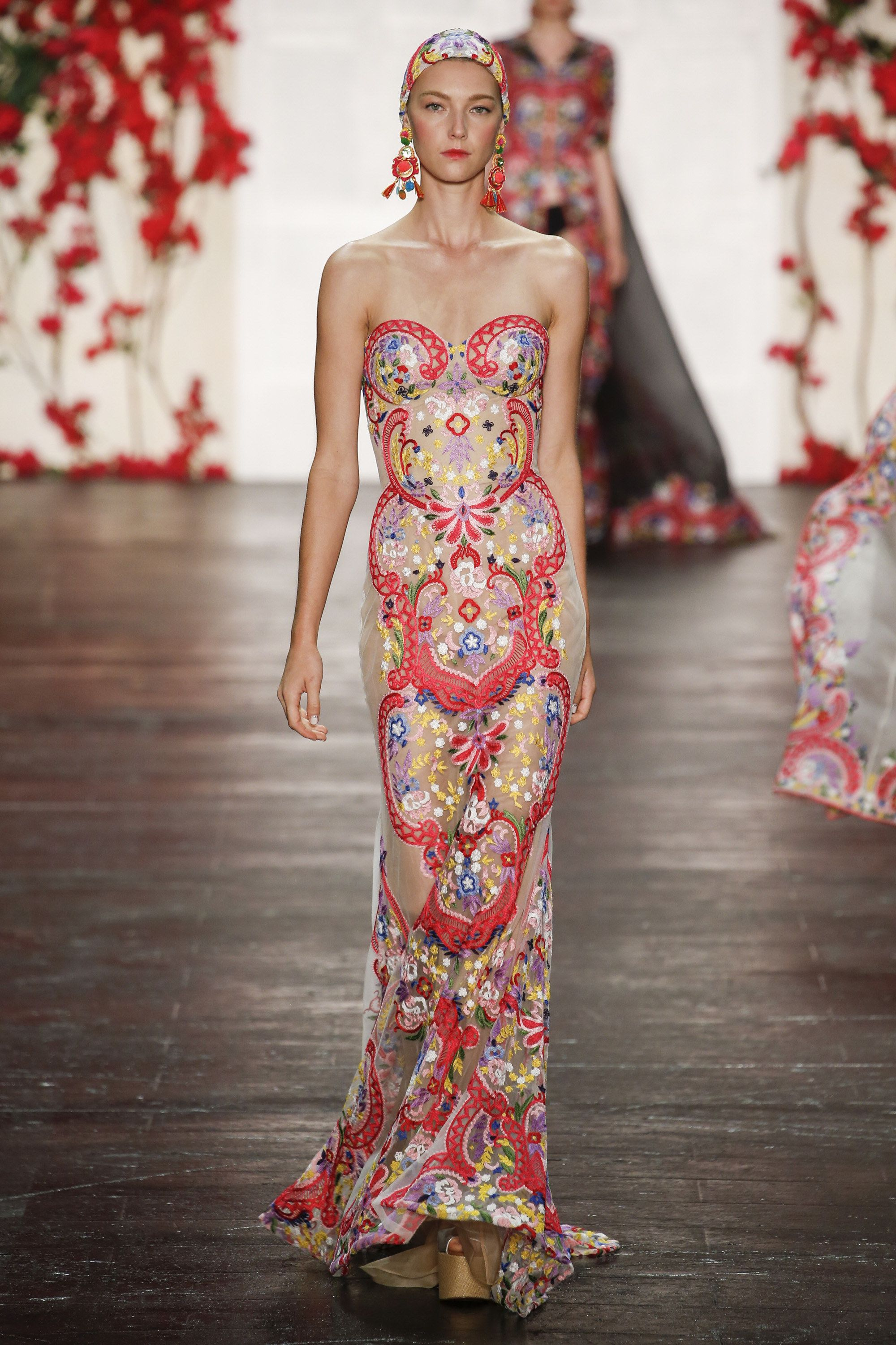 Naeem Khan Spring 2016 Ready-to-Wear Collection Photos - Vogue