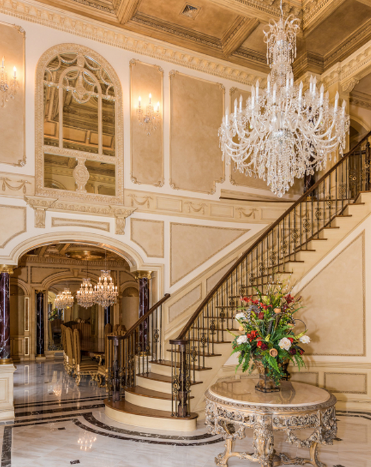 Luxury stairs gallery classic stairs balusters and for Luxury staircase