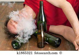 Resultado de imagem para imagens ou fotos pessoas drogadas em bh mg