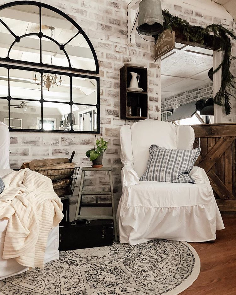 Hayden 1800s Farmhouse (twopawsfarmhouse) • Instagram
