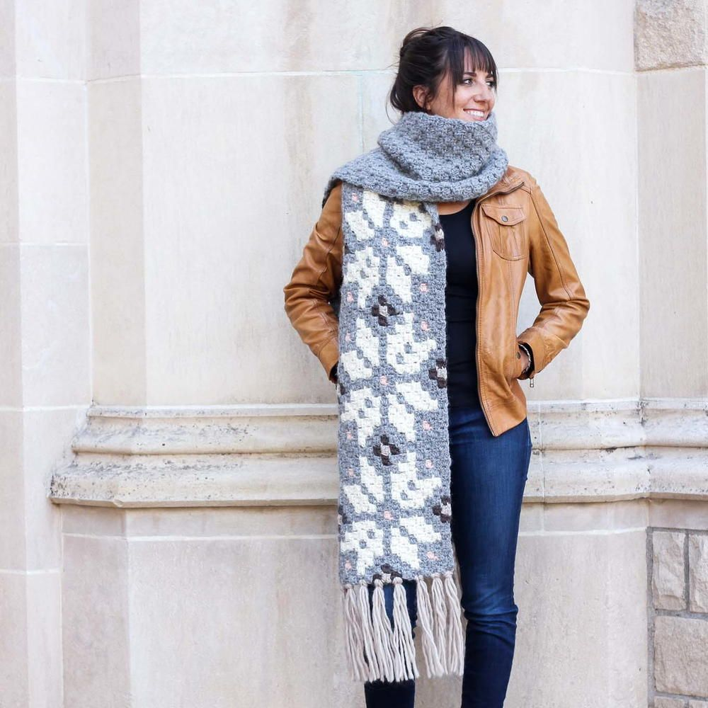The Winter Wanderer Crochet Scarf | Bufanda cuello