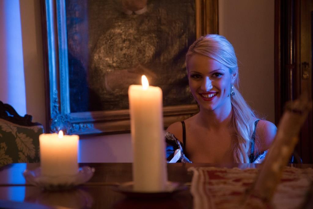 Claire castel femme de chambre cherry kiss sexy behind the scenes - Claire castel femme de chambre ...
