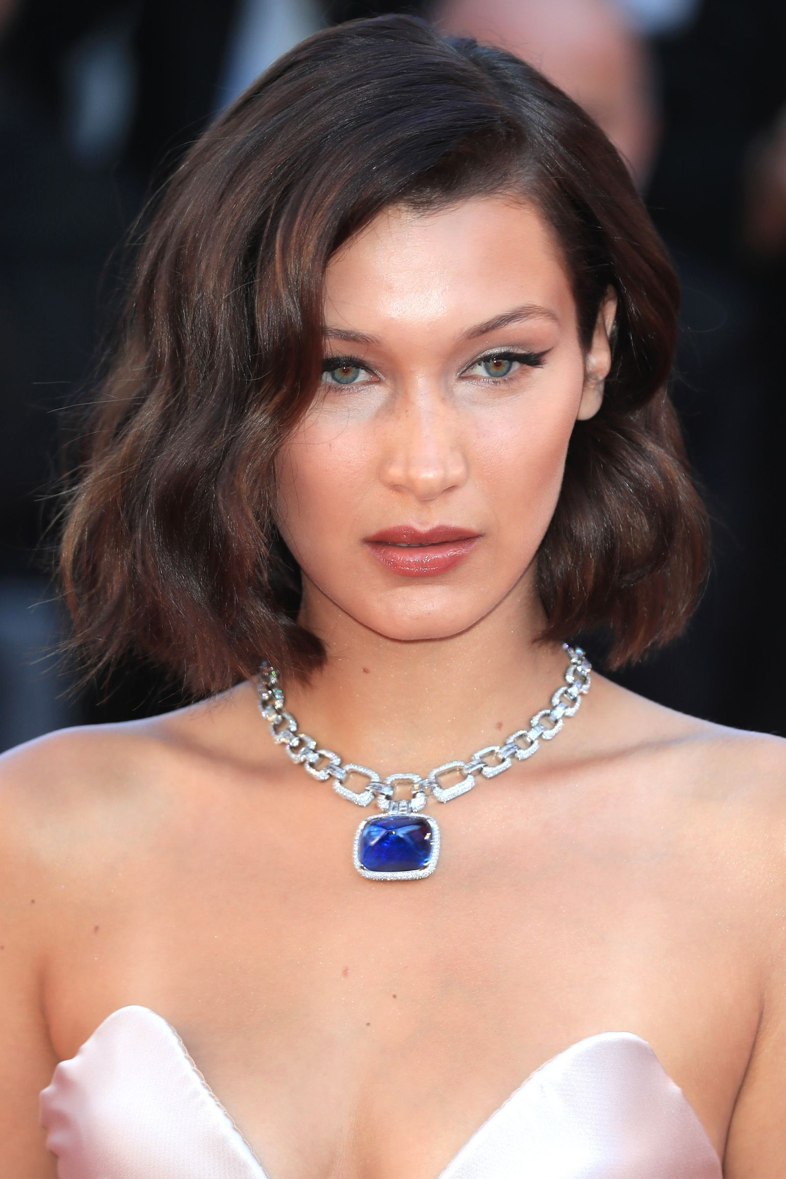 Elsa hosk looked like a princess at cannes bella hadid cannes celebrity beauty baditri Image collections