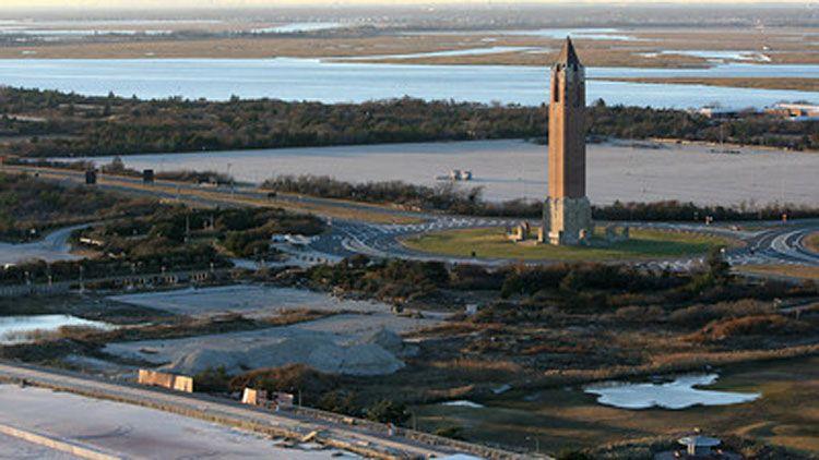 The Jones Beach traffic circle on Ocean Parkway looking north. (Kevin Kane)