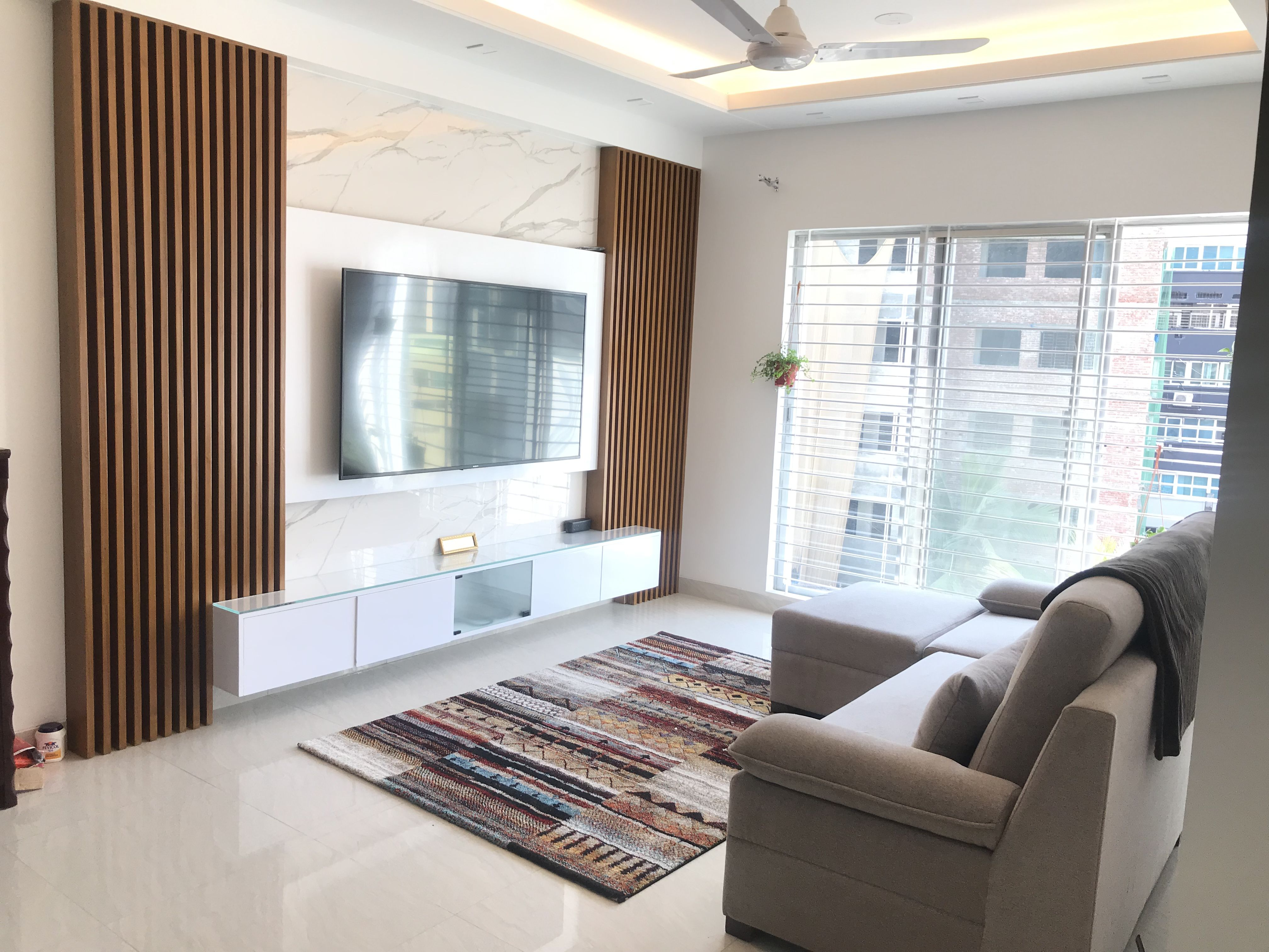 Pin By Noura N On Interiors Tv Room Design Living Room Designs Living Room Tv Wall