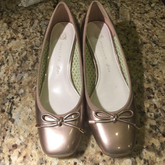 Ann Klein Taupe Metallic Shoe