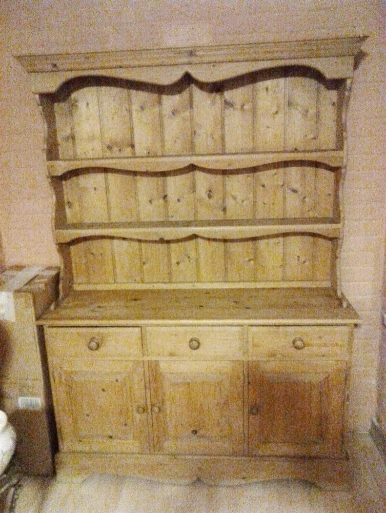 Solid Pine Welsh Dresser. W-132cm D-42cm H-192cm. Good clean condition.