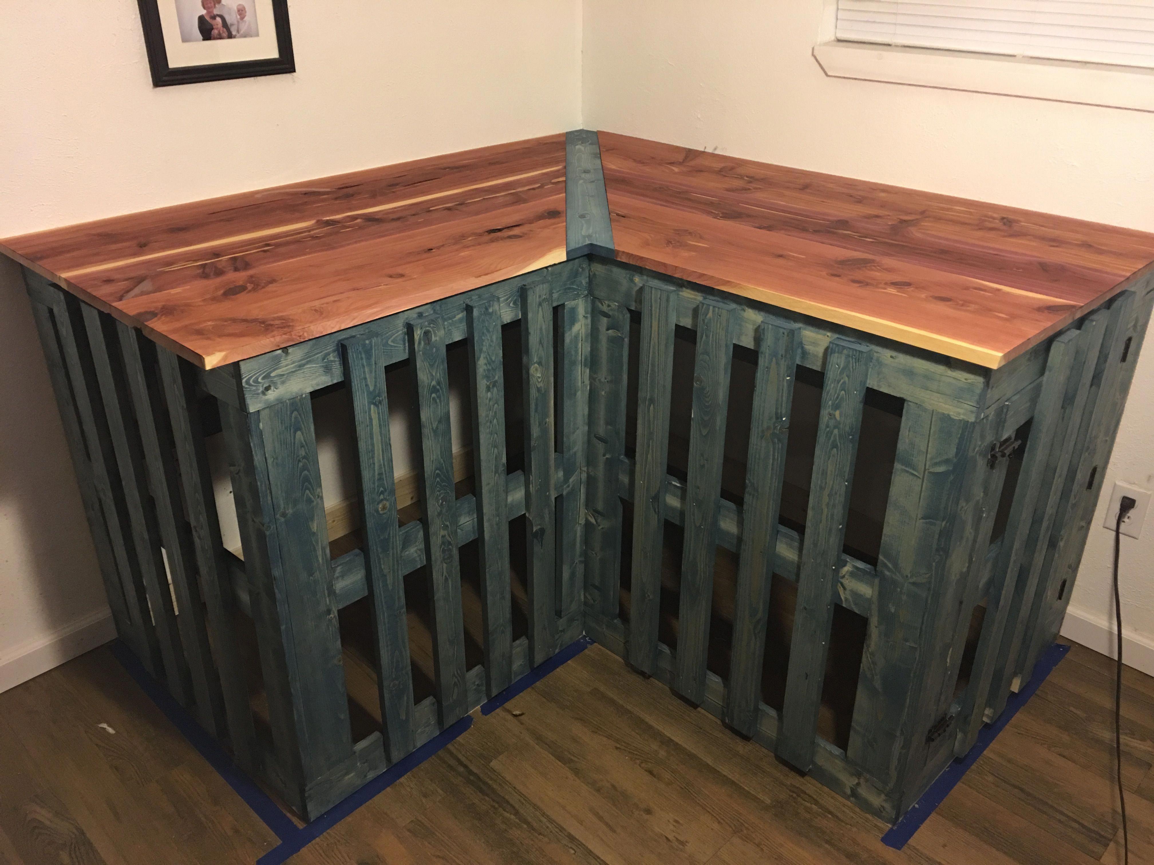 dog crate bed dogcratebed Dog crate furniture, Diy dog