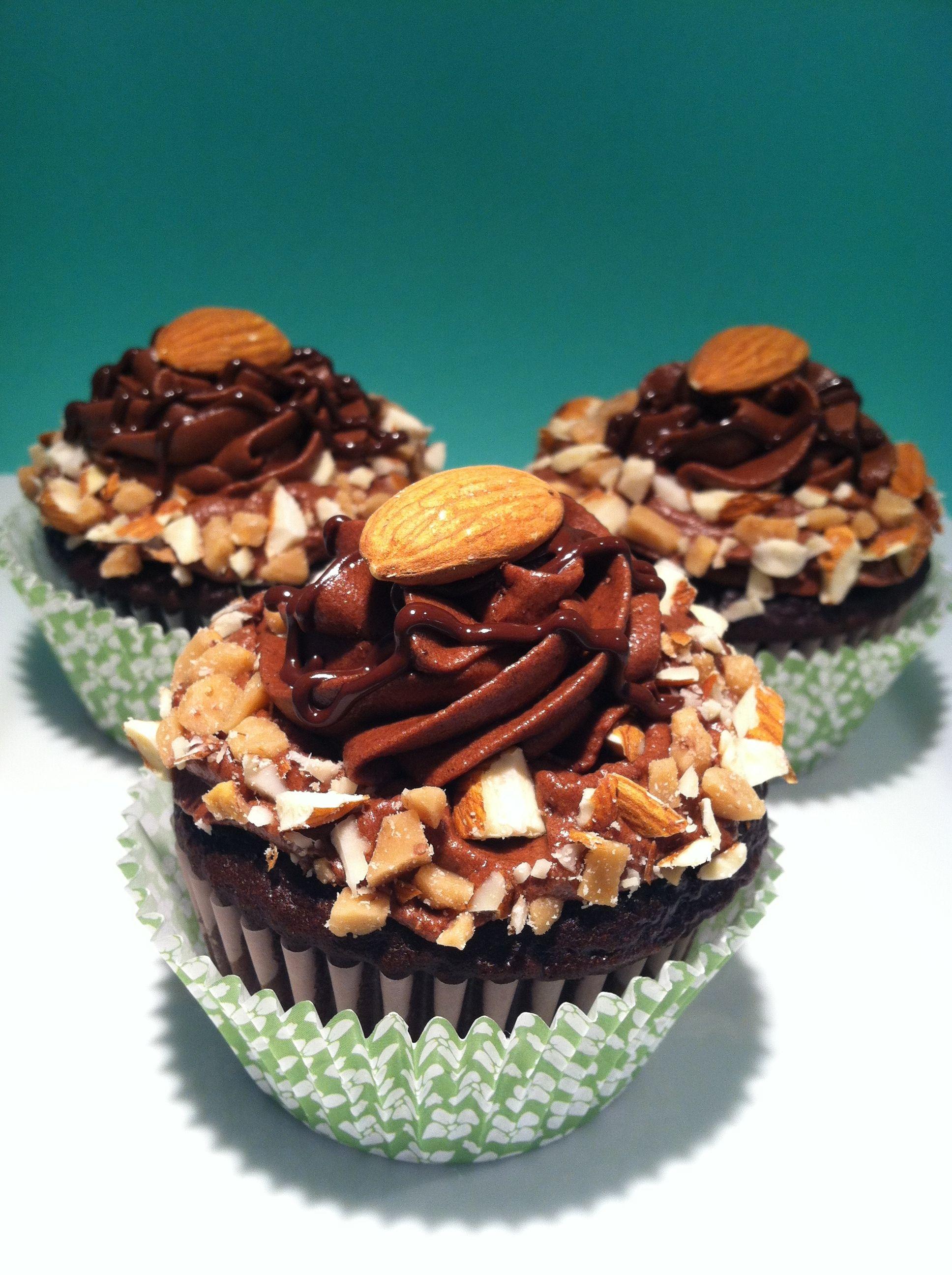 Almond toffee mocha fudge cupcakes mocha fudge almond