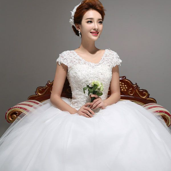 6ad4565c1 Stunning White Round Neck Solid Lace Floor-Length Ball Gown Wedding ...