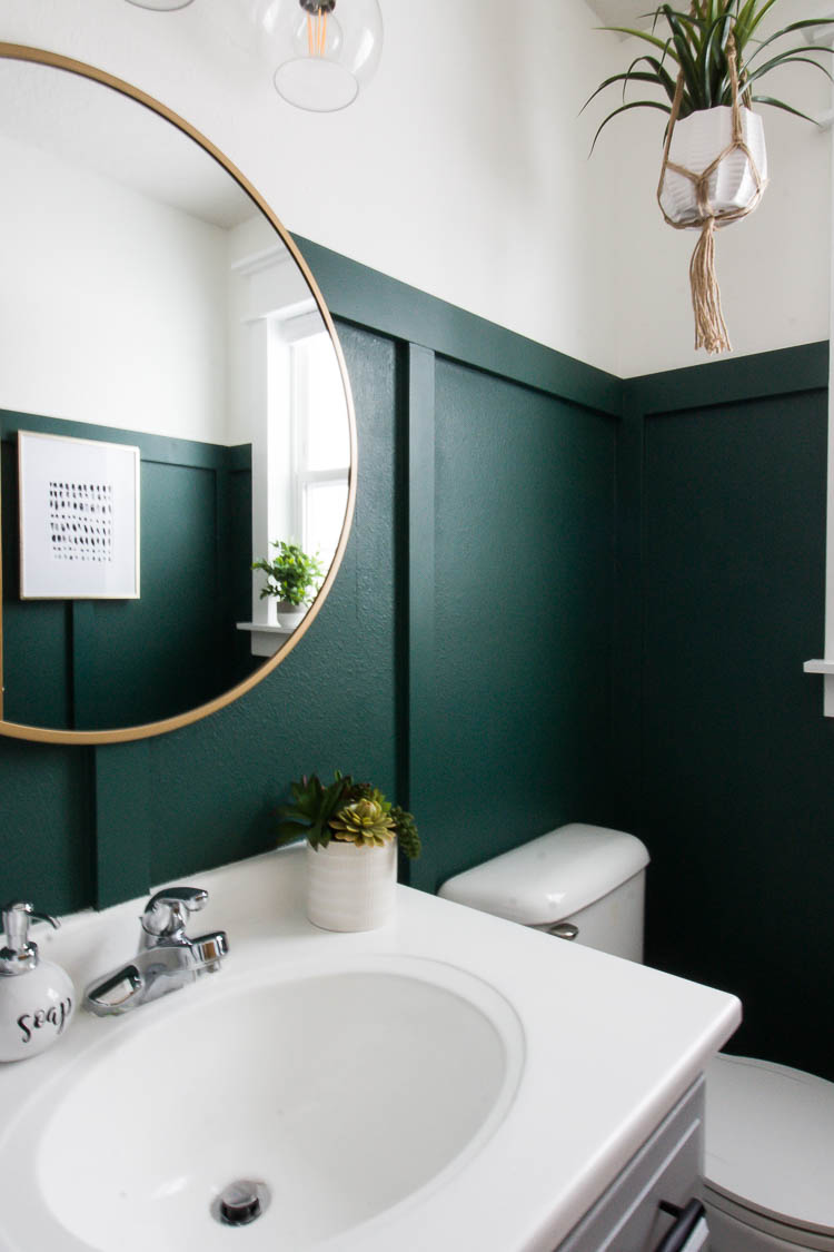 Modern Green Bathroom Makeover En 2020 Banos Verdes Bano
