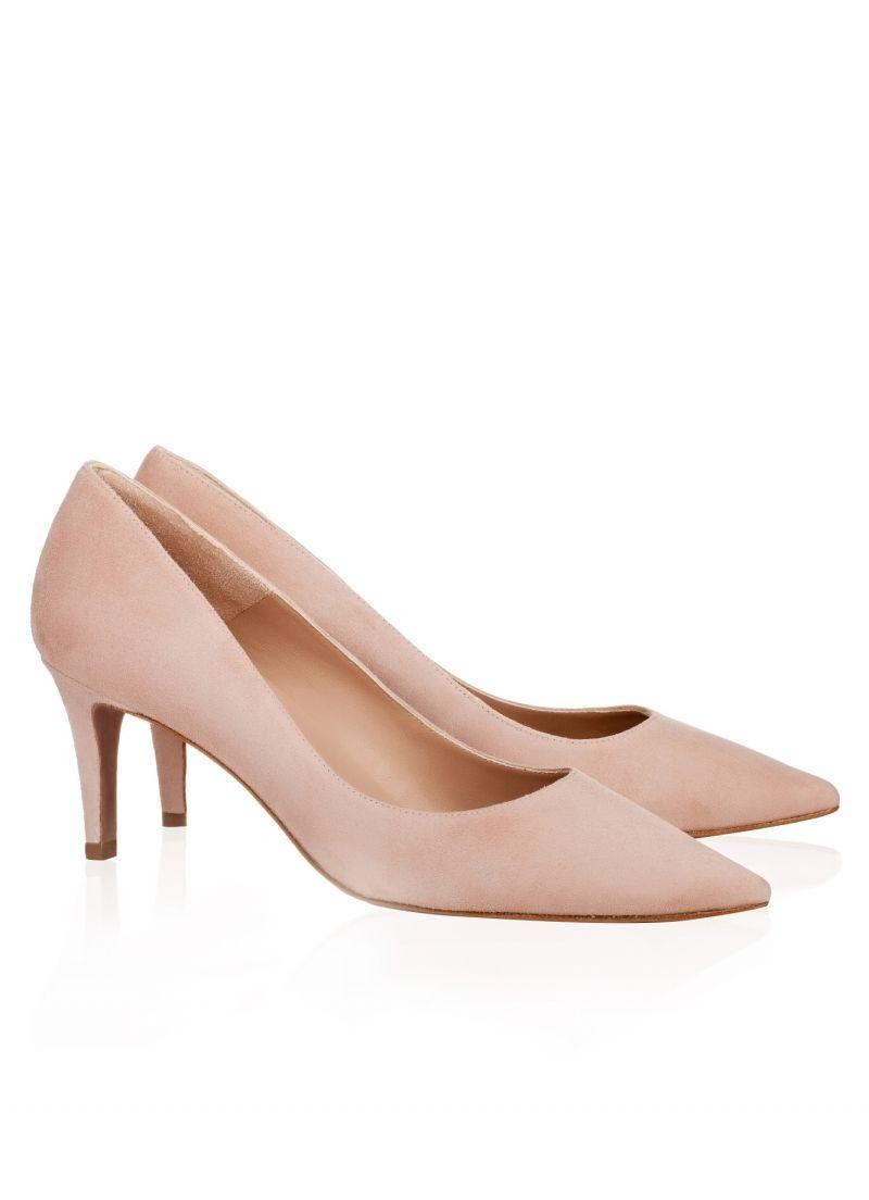 ee2911e47c6 Pura Lopez Dennise- Zapatos de salón Pura López de punta fina y tacón  medio. Realizados en ante nude.