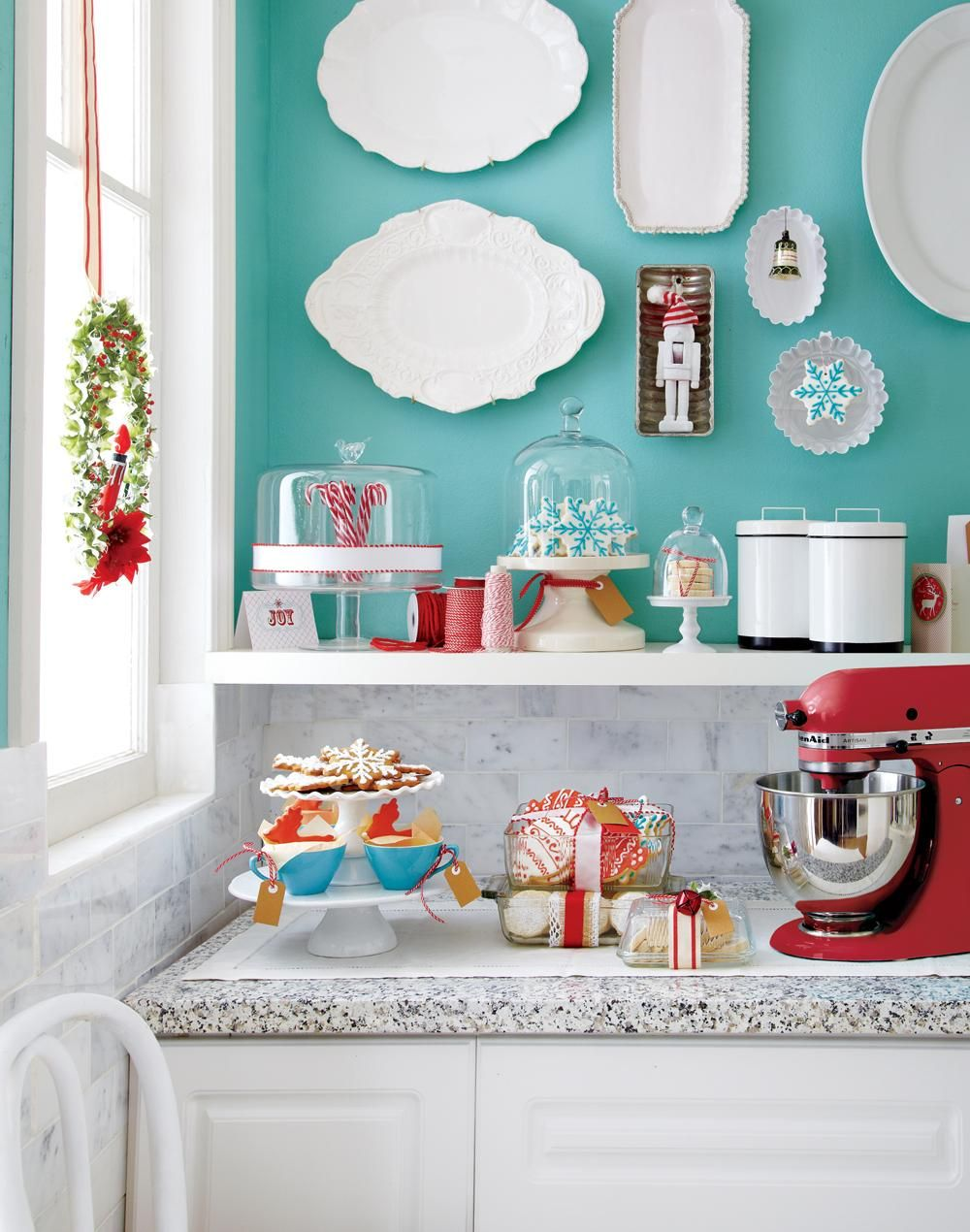 Stylish Christmas palettes - Style At Home   Ocean blue and red ...