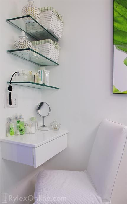 Ordinaire Wall Glass Shelves Were Very Popular In Bathrooms But Have Seen An Increase  In Popularity Throughout The Rest Of The Home. There Are Several Benefit Of  Wall ...