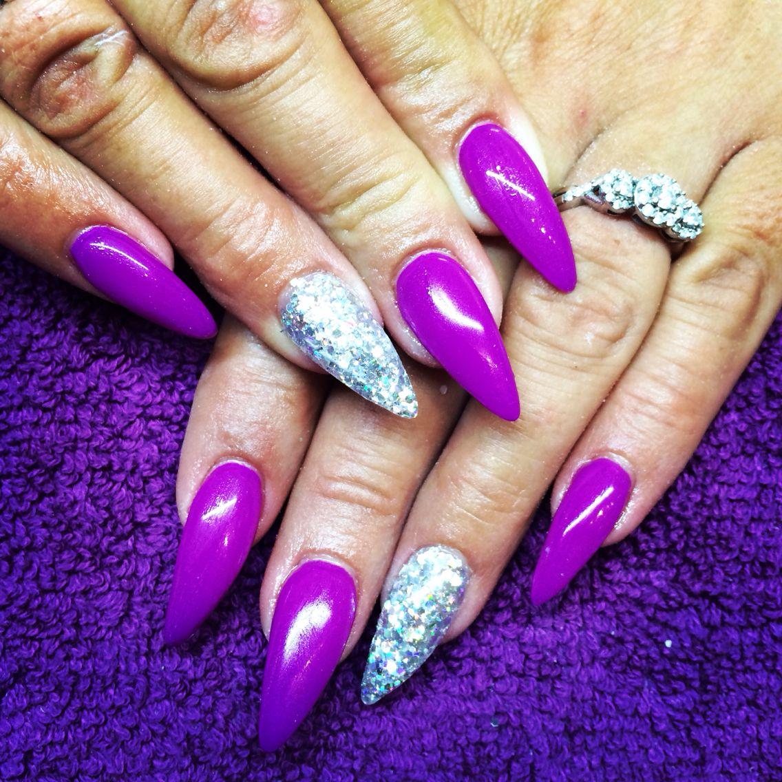 Blue glitter ombr 233 stiletto nails - Purple Stiletto With Holographic Accent Nail