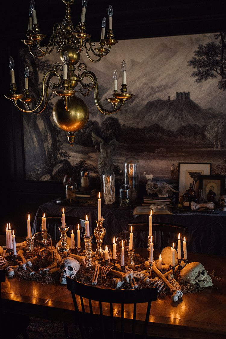Creepy Chic Halloween Decor Chic halloween decor, Chic halloween - Decorating For Halloween