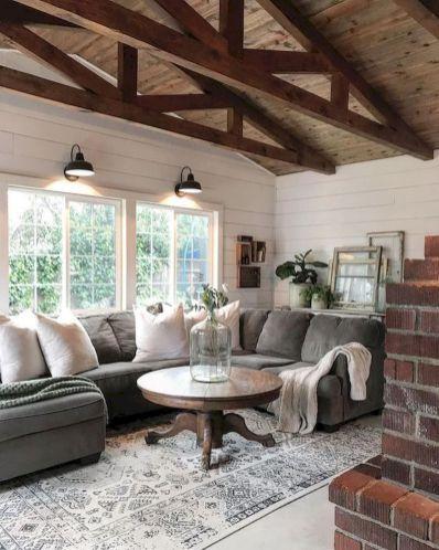 70 Elegant Modern Farmhouse Living Room Decor Ideas And Makeover (35 #modernfarmhouselivingroom