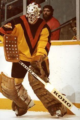 Old Vancouver Canucks V Jersey Vancouver Canucks Nhl Hockey