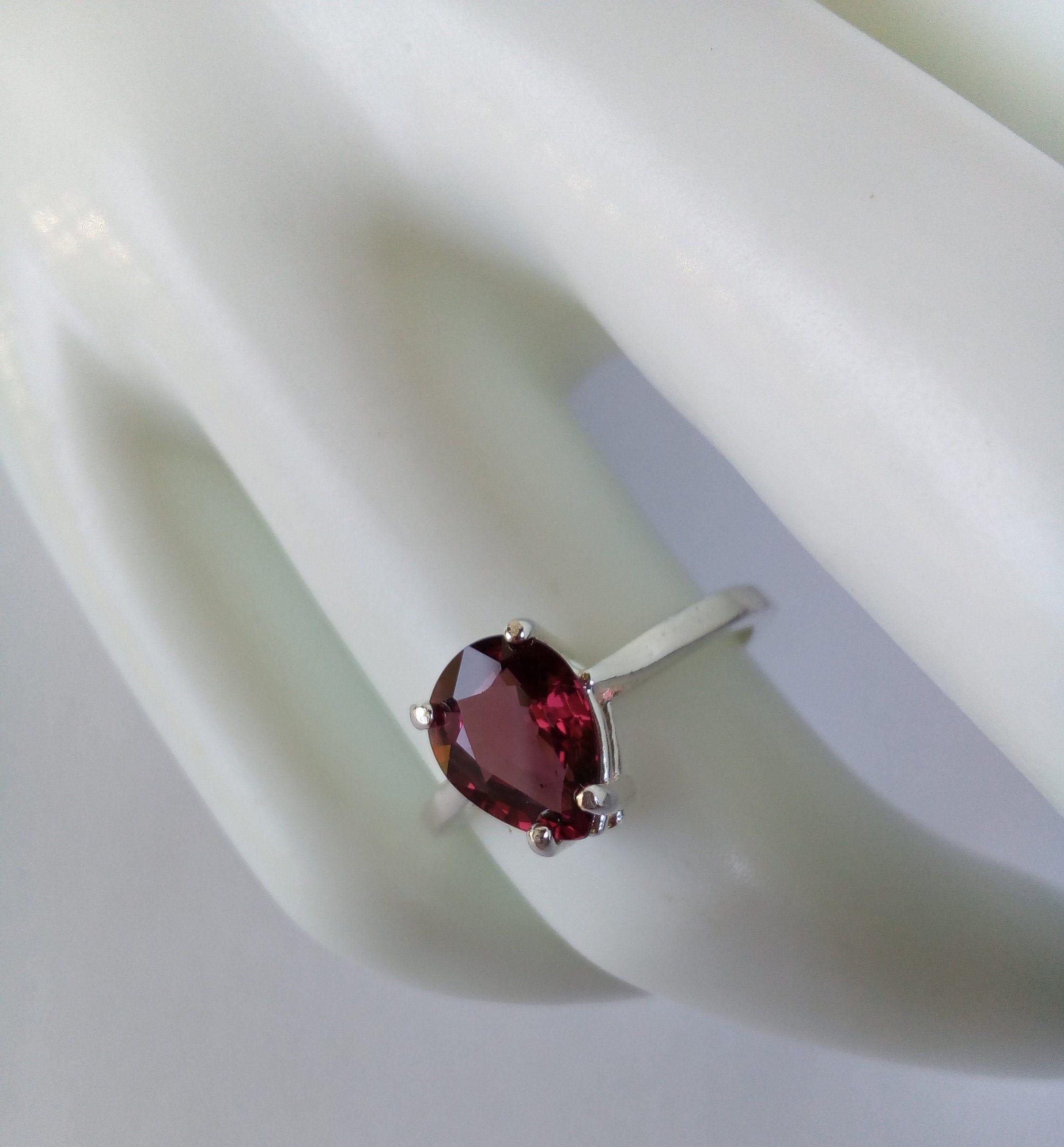 Sale Natural Gemstone Faceted Gemstone Handmade Garnet Quartz Ring Red Color Stone 925 Sterling Silver Oval Shape Prong Setting