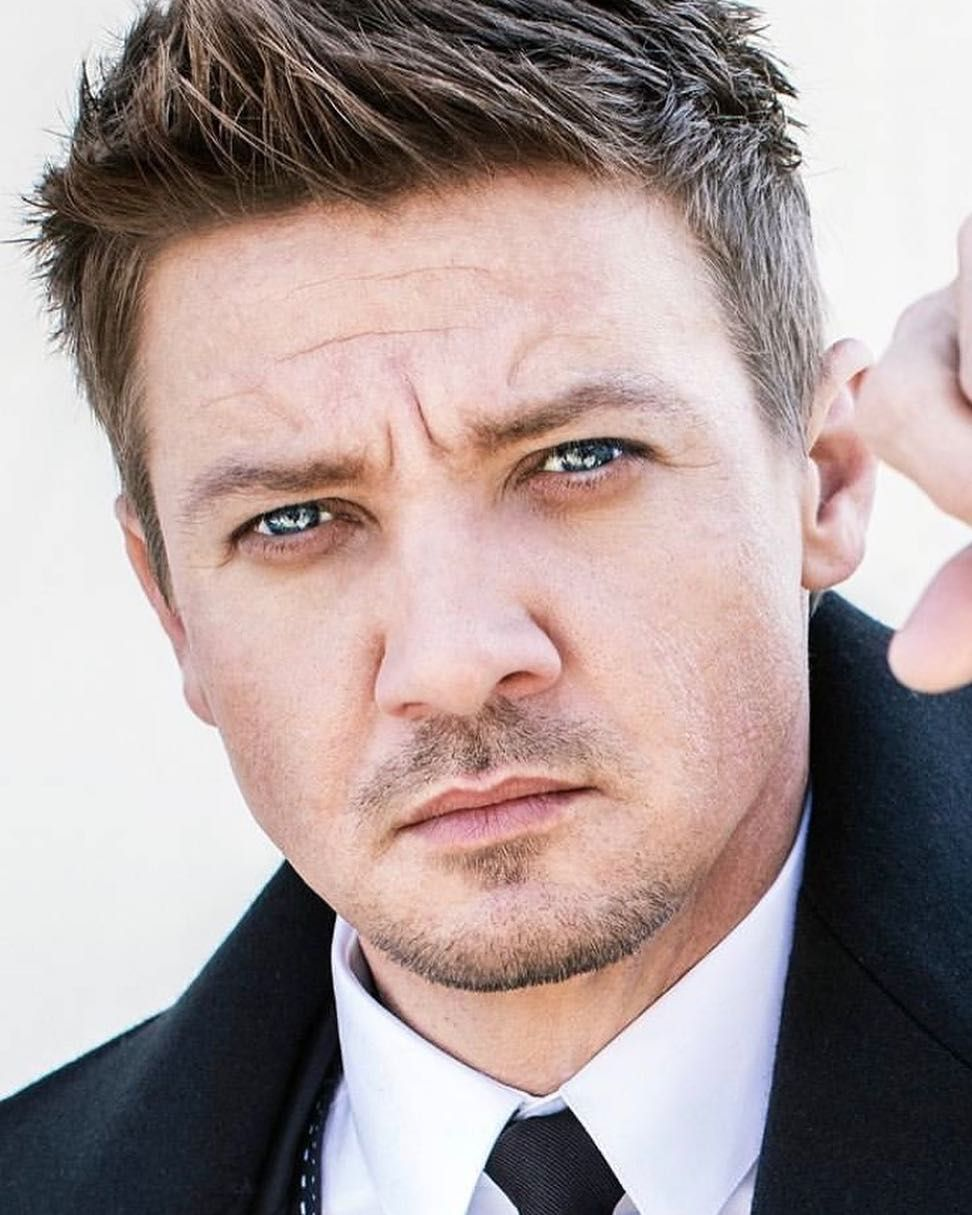 120.2k Likes, 959 Comments - Jeremy Renner (@renner4real) on ...