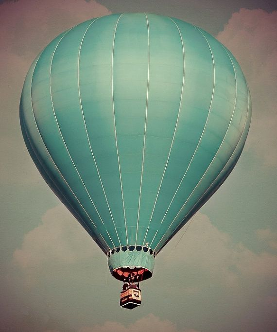 A Lonely Blue Balloon 8x10 Blue Skies Fine Art By Nakedeyephoto 19 95 Com Imagens Balao De Ar Balao Balao De Ar Quente