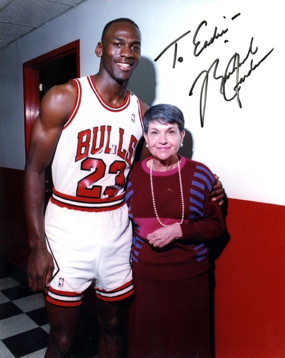 We can never have too many photos of our mom with Michael Jordan (with hair?!)
