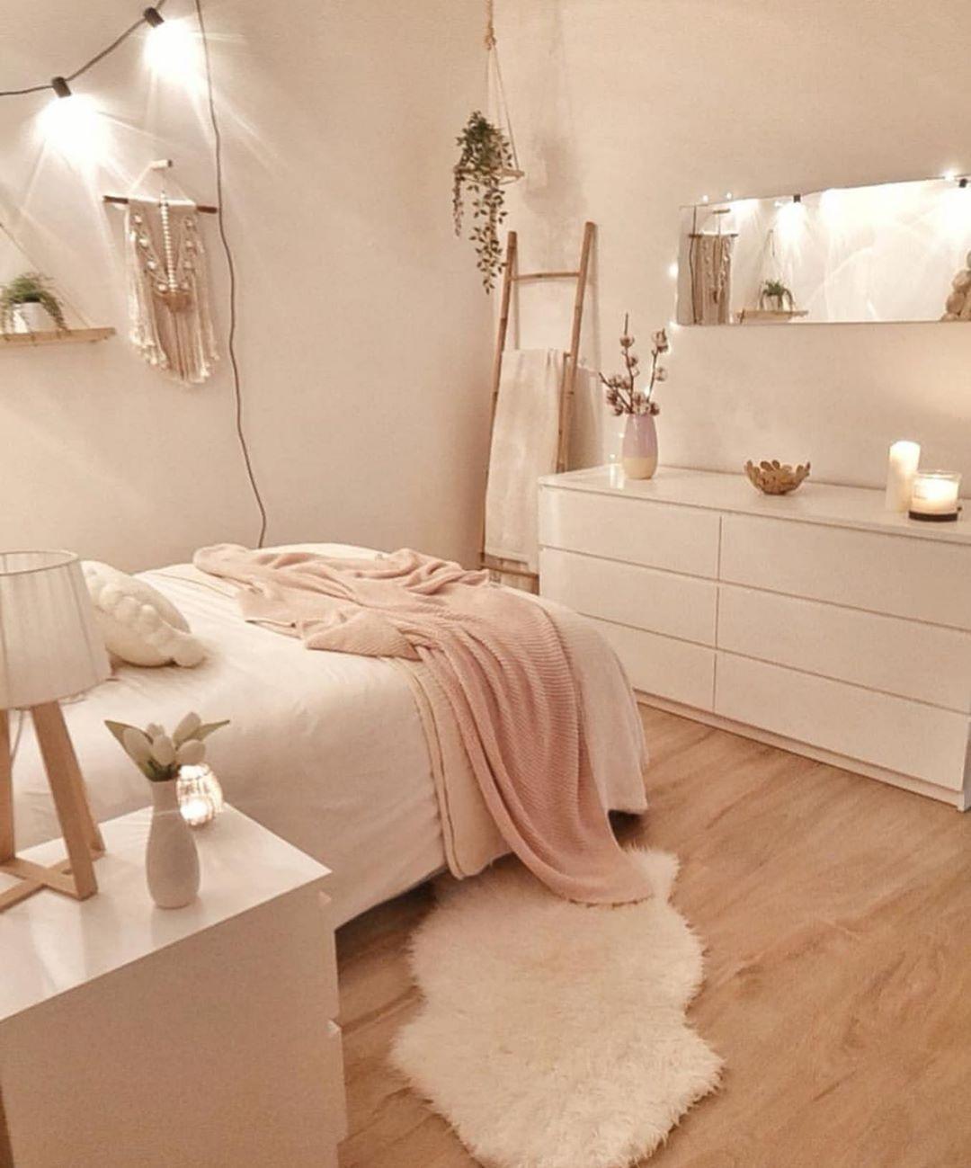 "Room For Girl Interior Inspo on Instagram: ""Lovely bedroom 🌸💕 Double tap to 💗! Credit: @sandradeco__sweet_home —————————————— #roomforgirl #bedroomideas #girlsroom #bedroomdesign…"" #trendyblousedesigns #sariblousedesigns"