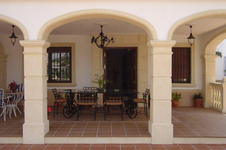 Molduras con forma de arco carpanel y pilares de siller a - Pilares y columnas ...