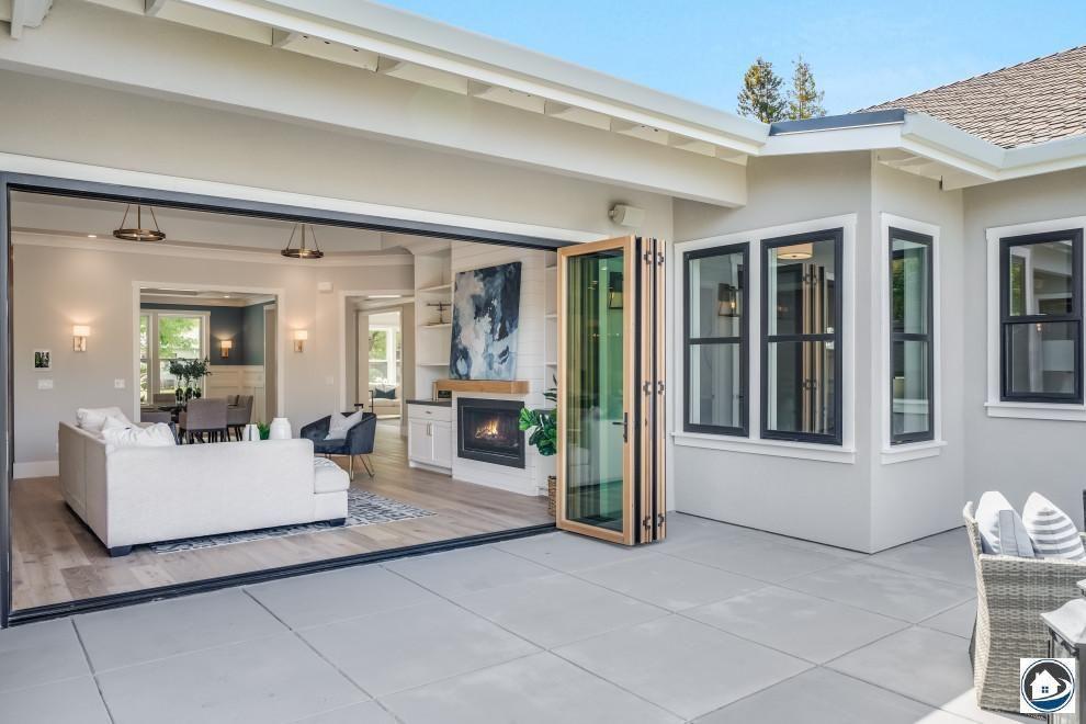 Los Altos Farmhouse Country Courtyard San Francisco For Your Inspiration And Ideas To Design Your Outdoor Outdoor Outdoor Design Modern Outdoor Outdoor Decor