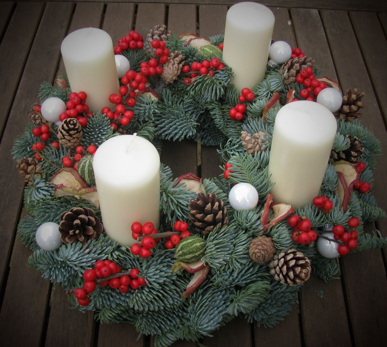 Advent wreath made with fresh - Pinterest advent ...