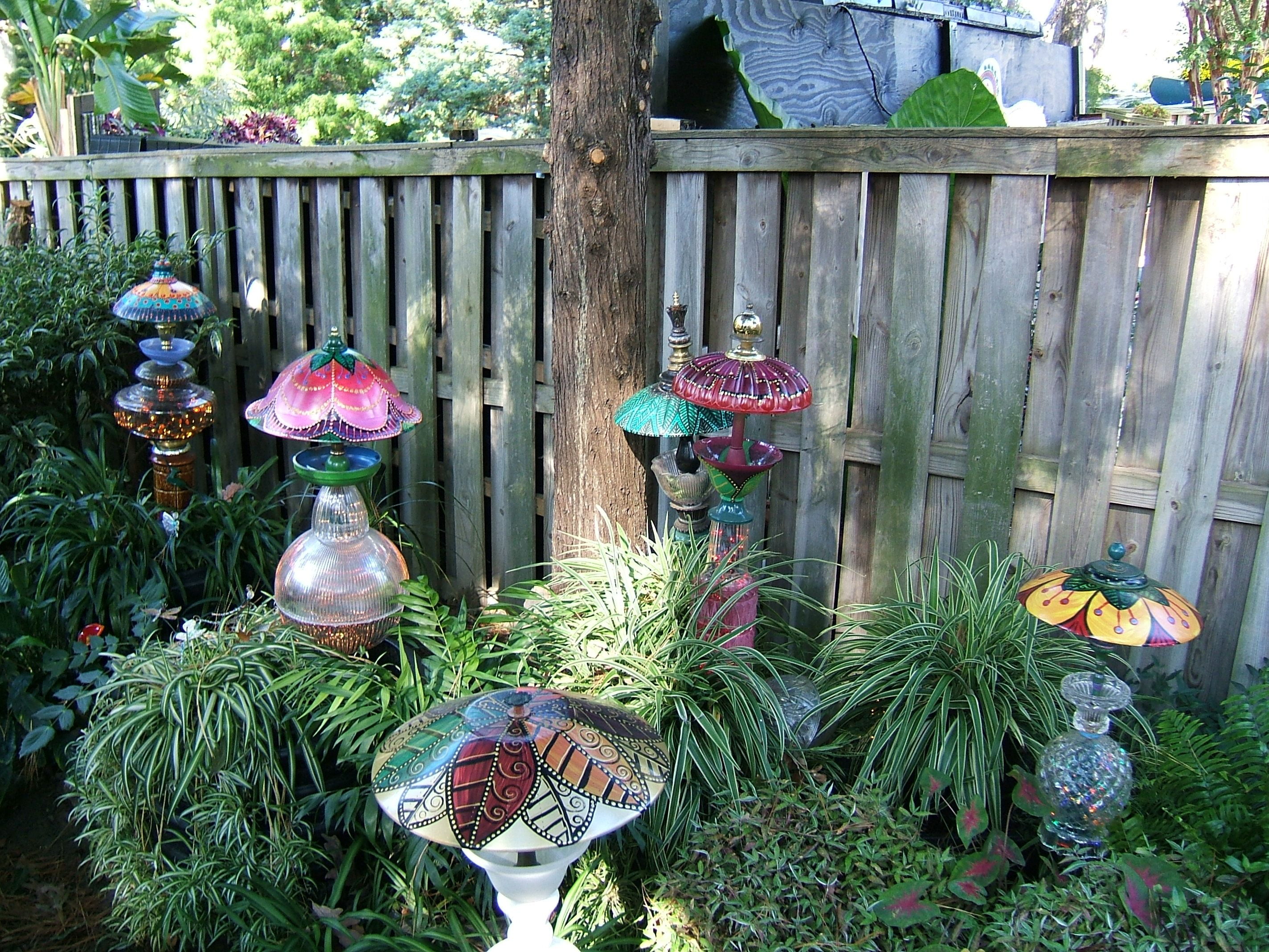 112 best Garden - Yard Art - Glass Totems and Flowers images on ...