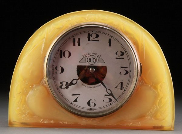 """RENÉ LALIQUE FRENCH ART GLASS """"MOINEAUX"""" AMBER OPALESCENT TABLE CLOCK, INTRODUCED 1924."""
