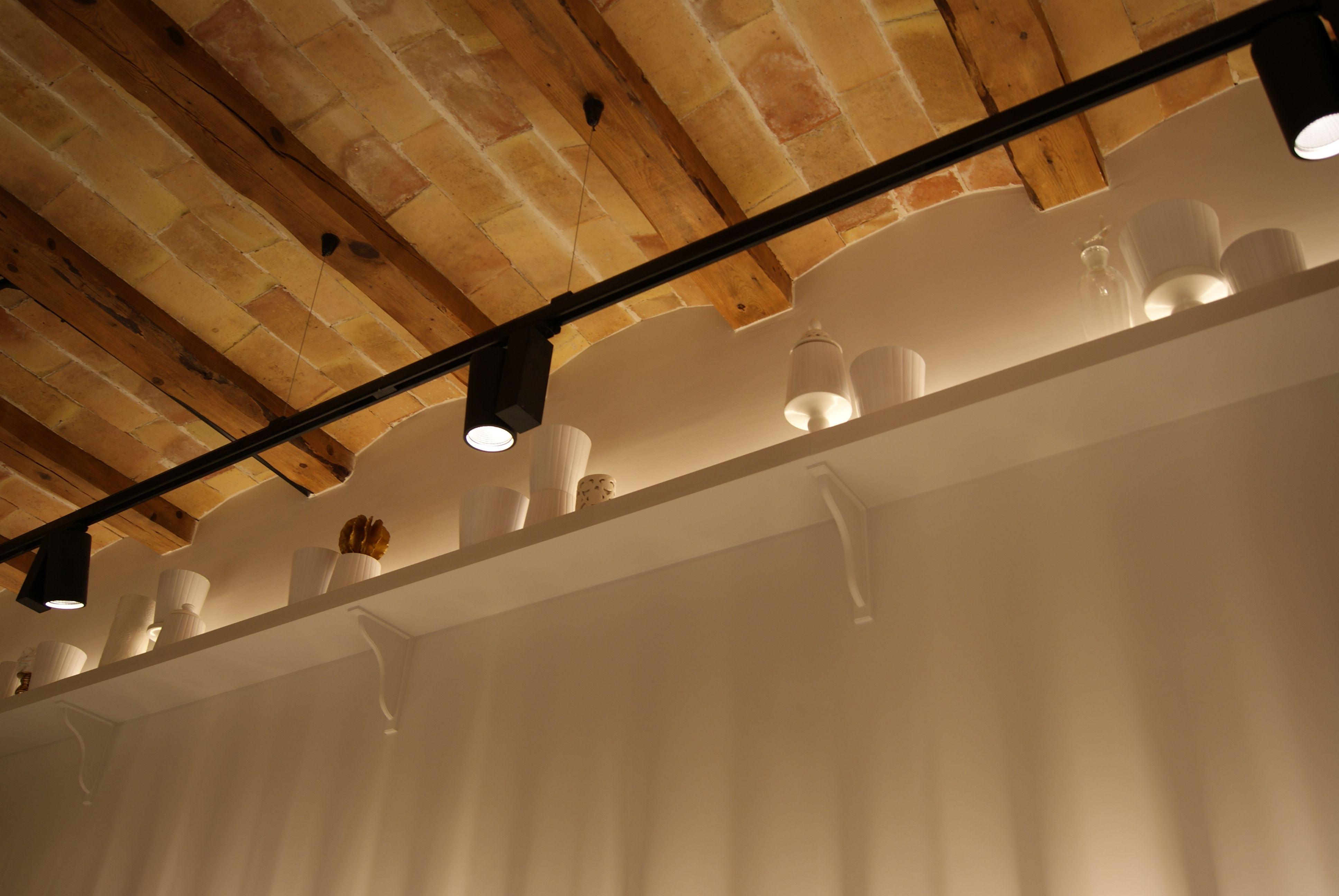 Iluminacion techo vigas madera buscar con google - Vigas madera techo ...