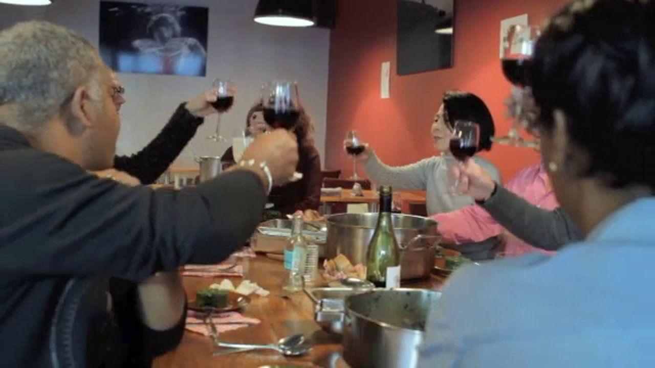 Wil jij graag Spaans leren terwijl je onder begeleiding van professionele chefs heerlijke gerechten van de Spaanse gastronomie leert voorbereiden?