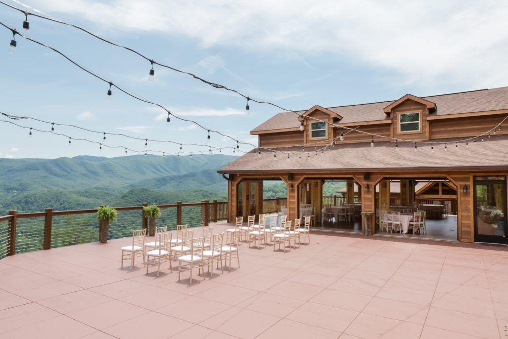 The Magnolia Pigeon Forge Tn Wedding And Events Venue Tennessee Wedding Venues Gatlinburg Weddings Smallest Wedding Venue