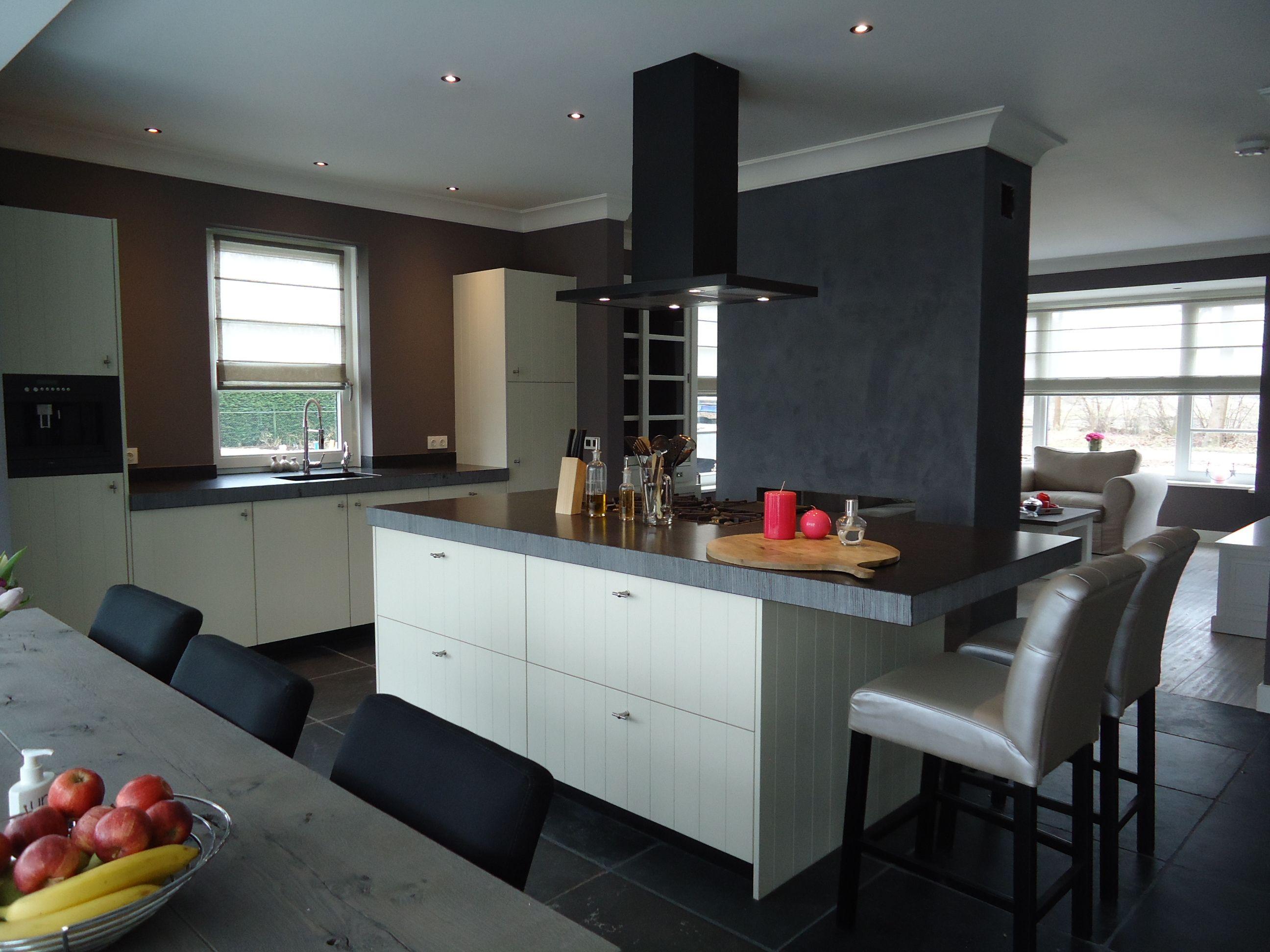Wit Stoere Keuken : Stoere keuken zwart wit met keramisch werkblad en
