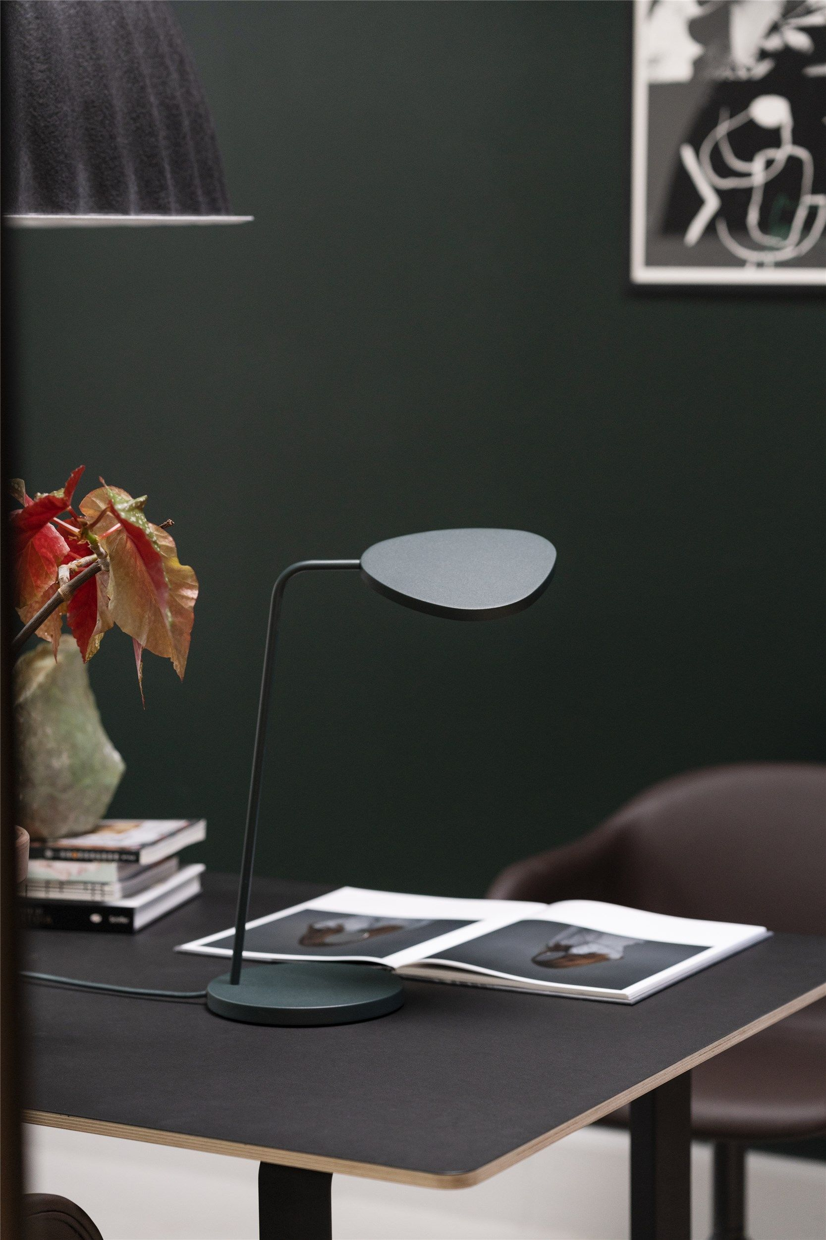 Leaf Table Lamp In 2020 Leaf Table Table Lamp Soothing Colors