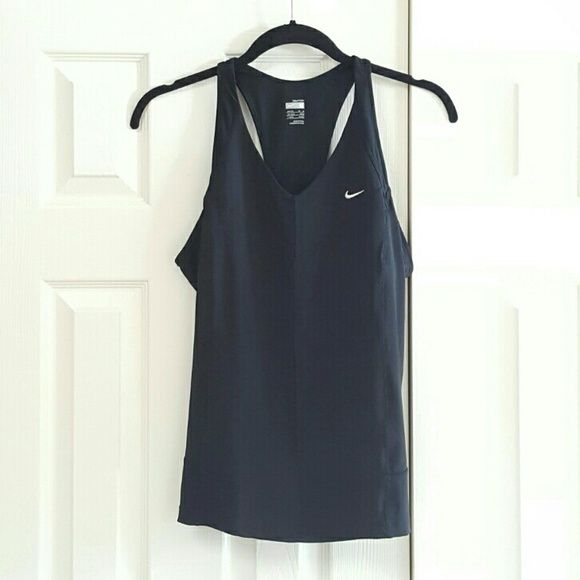 4b231da34fd124 Update your Sleeveless   tank tops and your closet on Vinted! Save up to on  Sleeveless   tank tops and pre-loved clothing to complete your style.