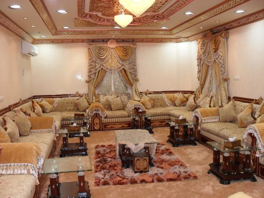 Pin By Mana A Albulushi مانع On Decor Arabic Majlis مجالس عربية Bedroom Design Blue Living Room Decor Sanctuary Bedroom
