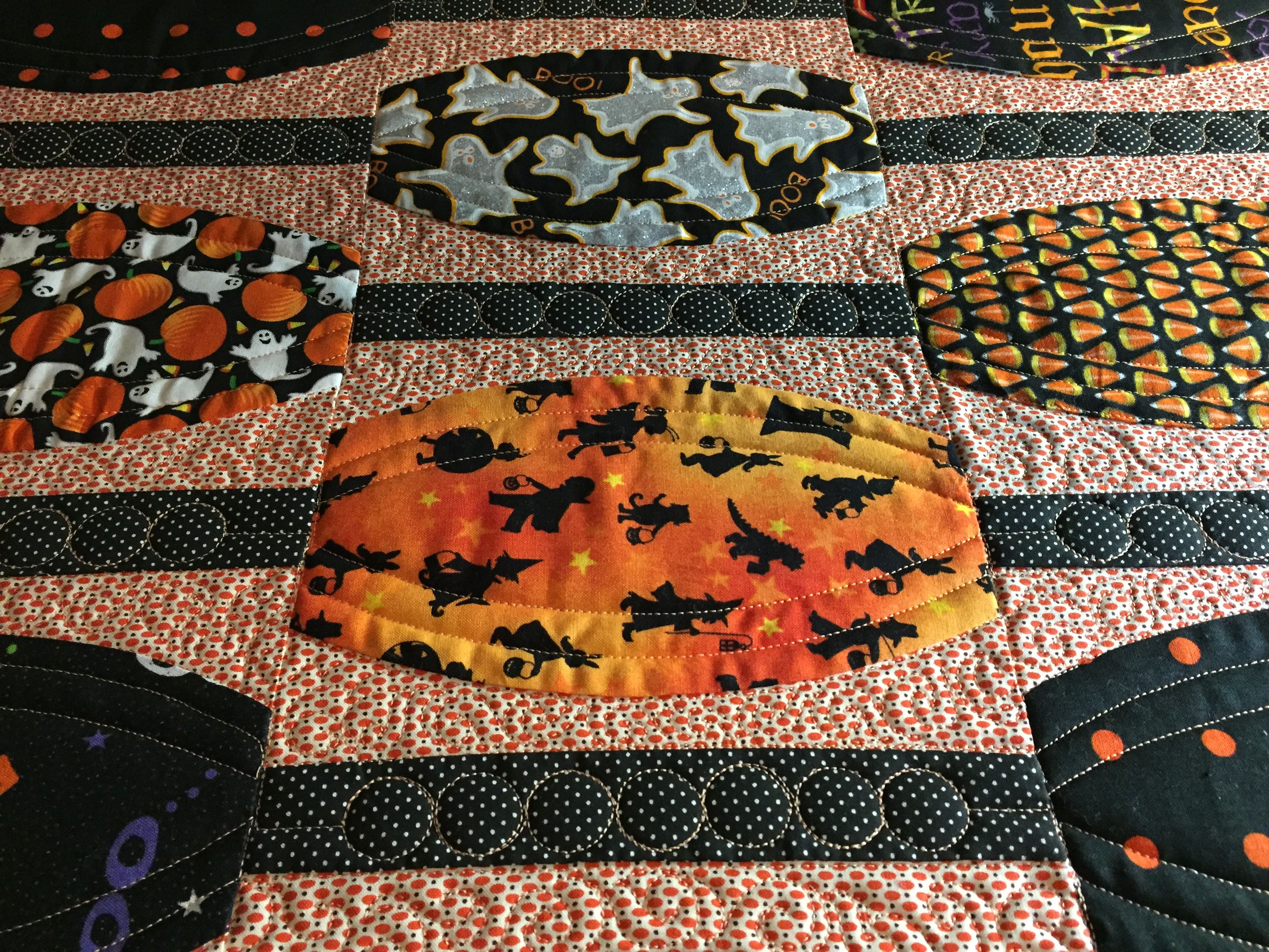 Halloween beads pieced by barbara stilwell quilting by