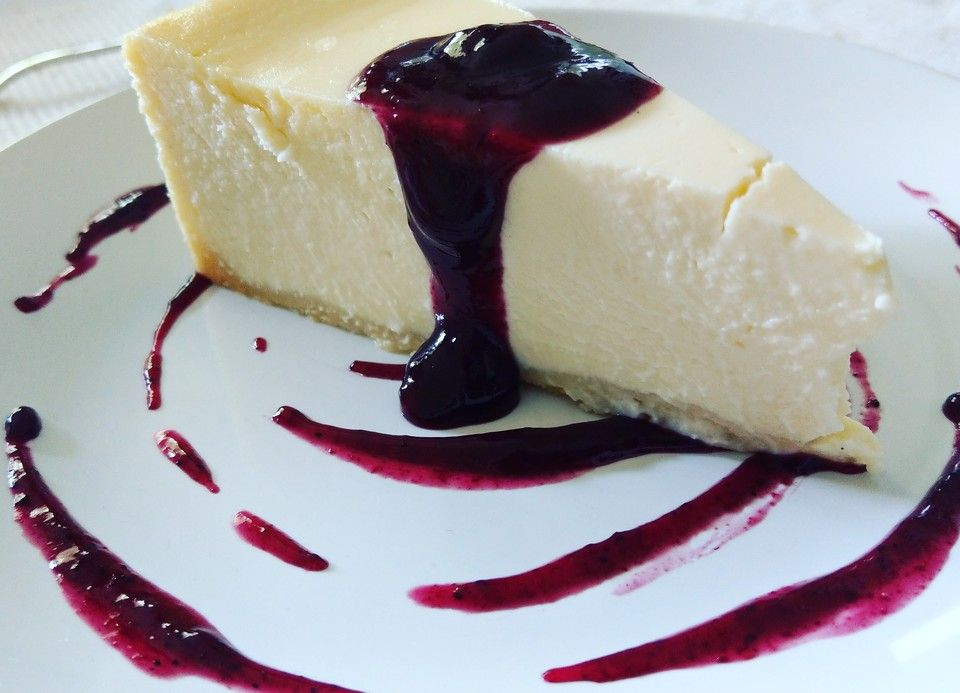 "Photo of American New York cheesecake – like the famous ""Lindy's"" from sukeyhamburg17 