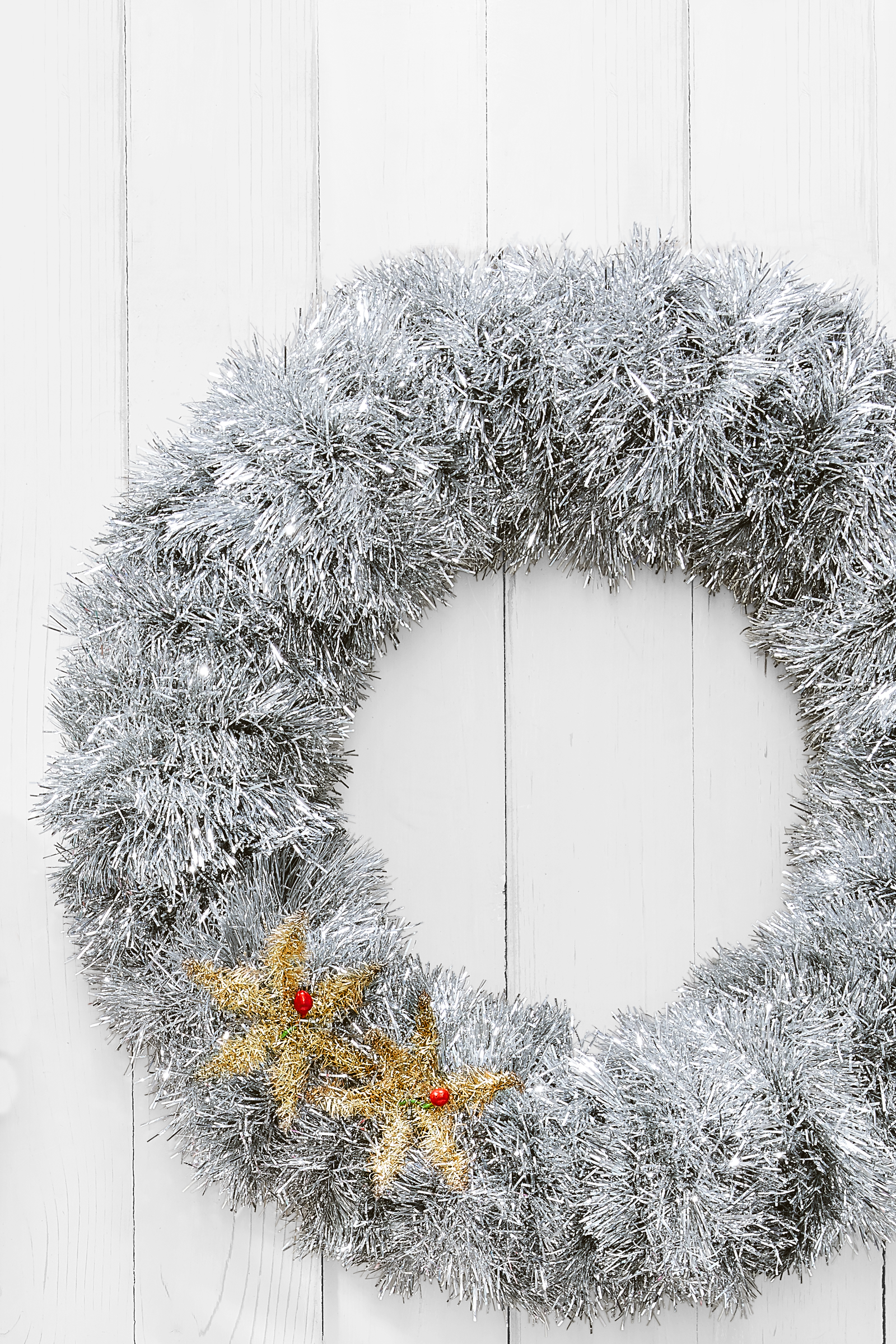 Fluffy Tinsel Wreathcountryliving