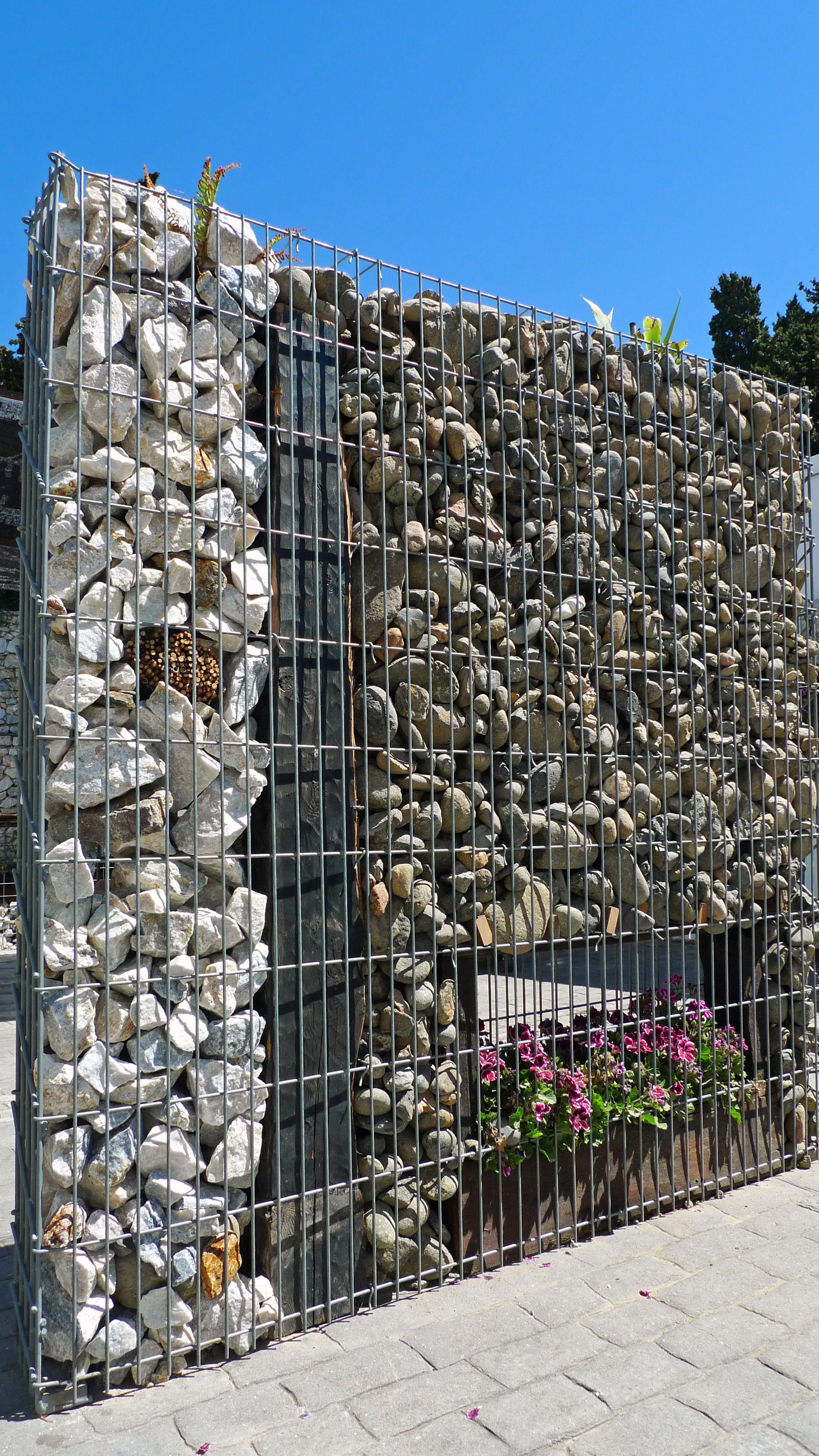Muro de separaci n con gaviones for Muro de separacion jardin