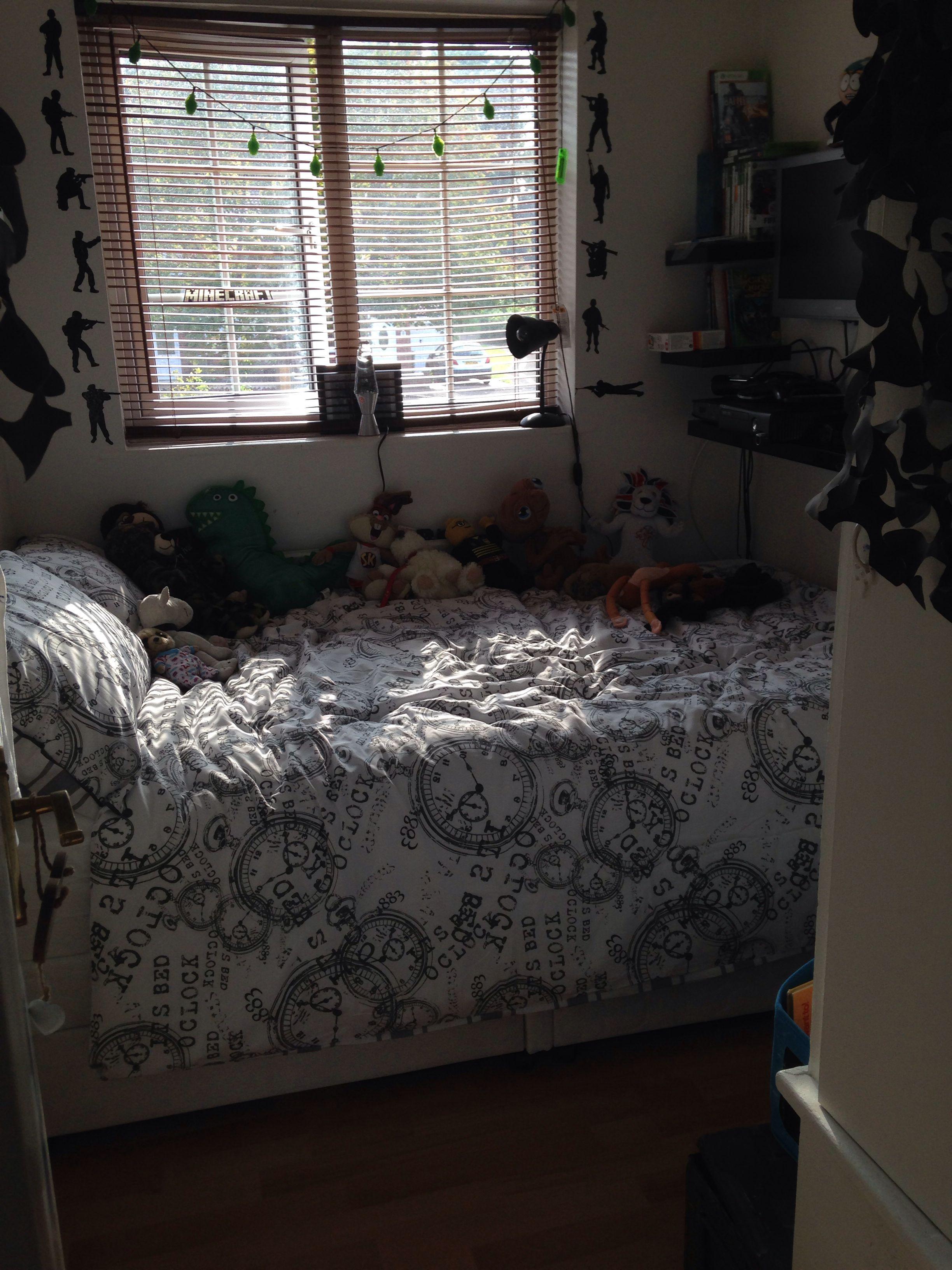 Tiny Box Room Made Into Cool Pre Teen Boys Bedroom Kids