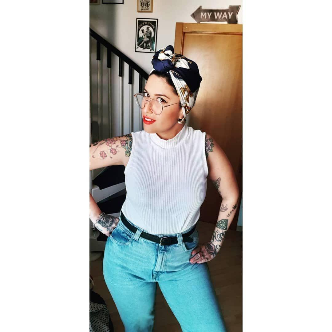 ♡Chicxs mañana a las 11.00pm tendréis video nuevo🤟😘 ♡De pañuelos va la cosa...💃 ♡ #Girl #tattoogirl #style #pañuelovintage #vintagegirl #love #truelove#vintagestyling #mispañuelos#turbante #myhome #micomplementoperfecto #tattoolife #tattoolifestyle