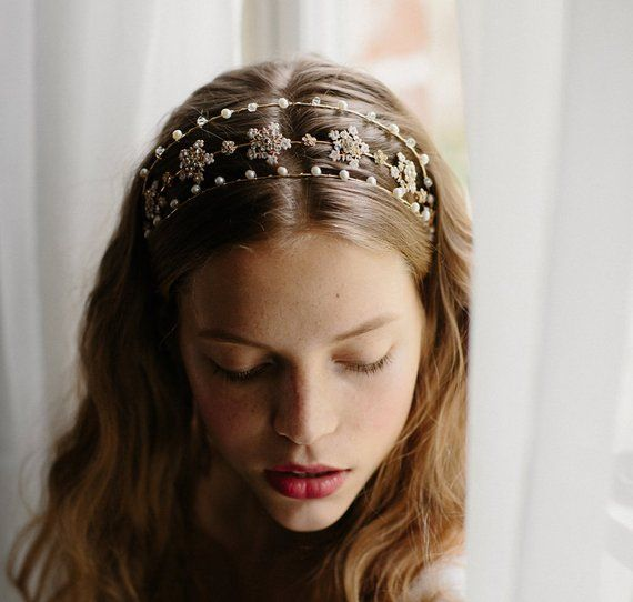 Quirky Wedding Hairstyle: Wedding Hair Accessory, Bridal Crown